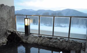 十勝連峰を望む絶景露天風呂で天然温泉を